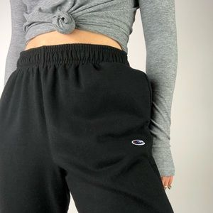 CHAMPION | Black Embroidered Logo Sweatpants M